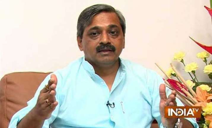bjp hits out at arvind kejriwal for protecting jitender