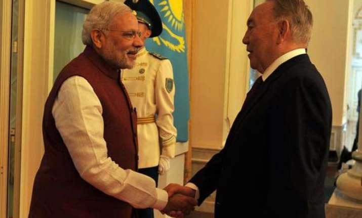 pm modi meets kazakhstan president