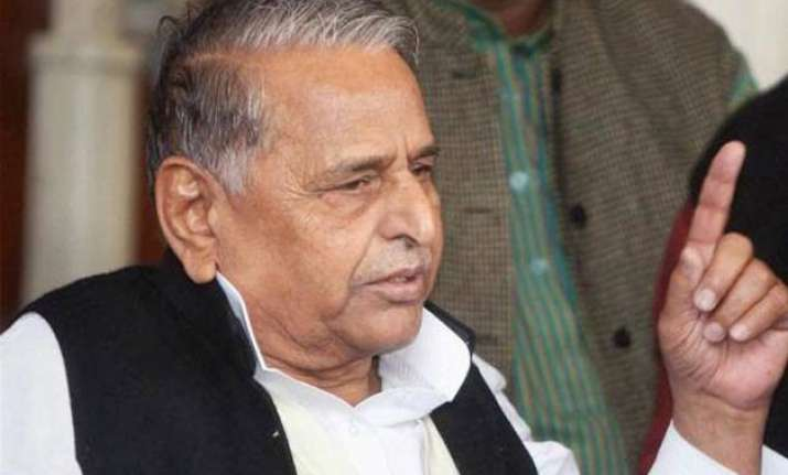 mulayam is a khudai khidmatgar congress quips on his