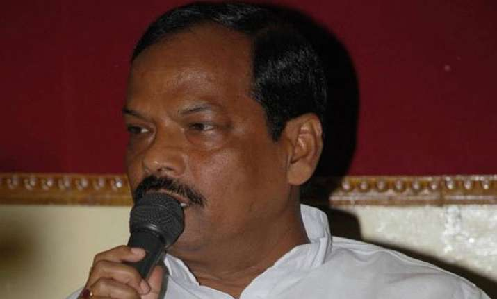 raghubar das forbids party workers from staging dharna