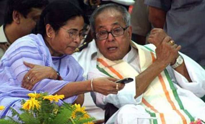 pranab denies reports he will seek clarification from mamata