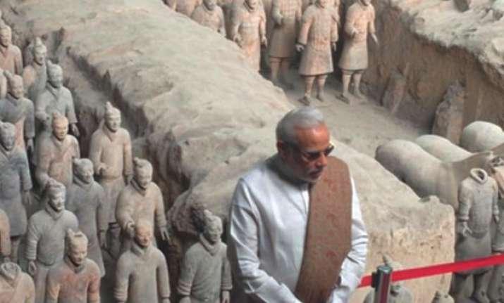 pm modi visits terracotta warriors museum in xi an