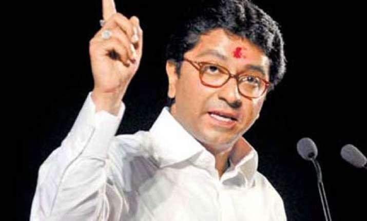 raj lashes out at balasaheb praises narendra modi