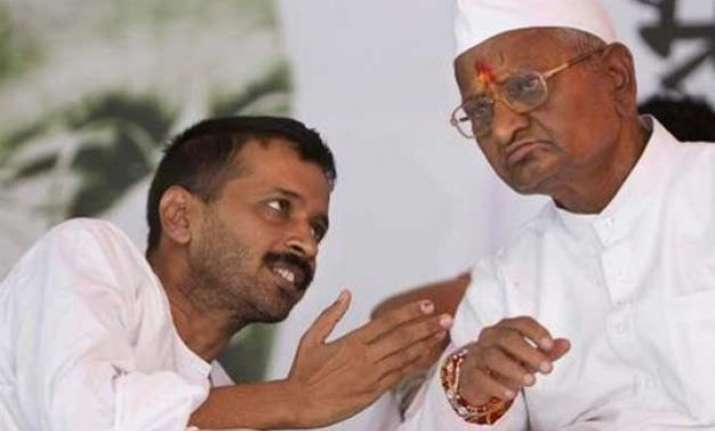 should anna hazare mediate to end aap crisis