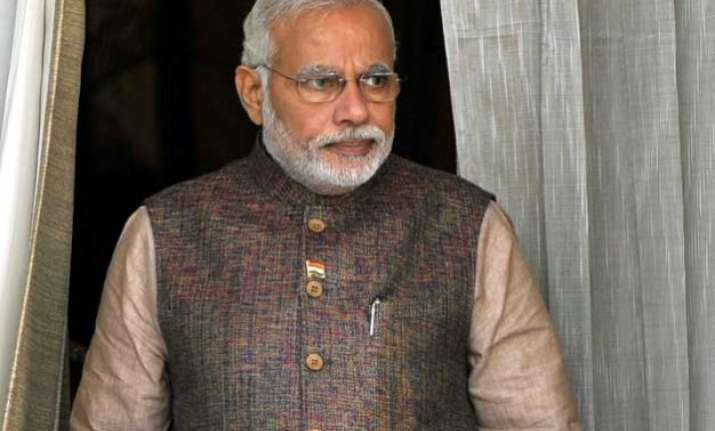 pm modi urges lawmakers to move forward on land bill