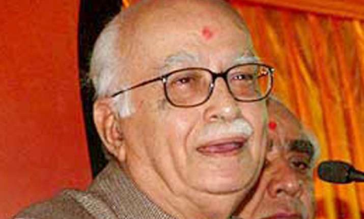 advani meets swami expresses desire to quit politics