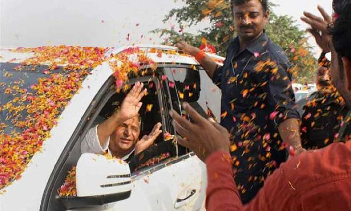 saifai wears festive look to celebrate mulayam singh yadav