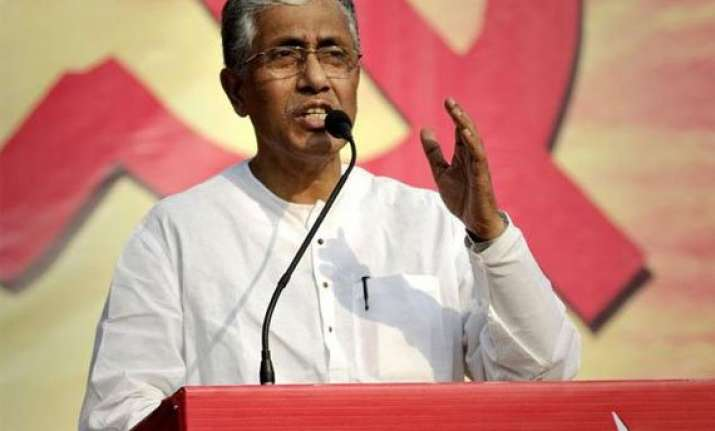 narendra modi accepts tripura s communist cm s invitation