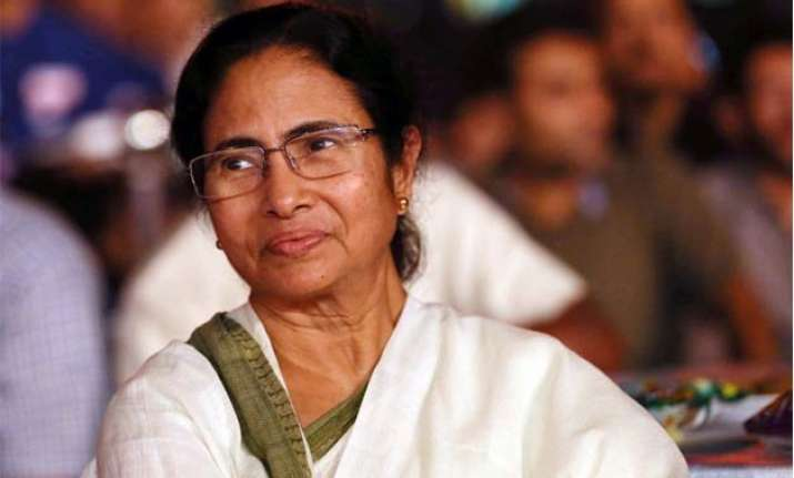 mamata banerjee to visit uk to showcase west bengal for