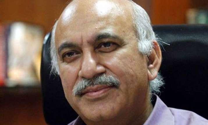 robert vadra robbed farmers land says bjp spokesman mj akbar