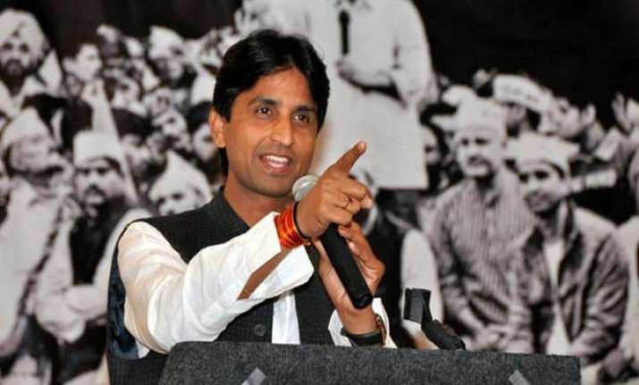 kumar vishwas hits back at garg
