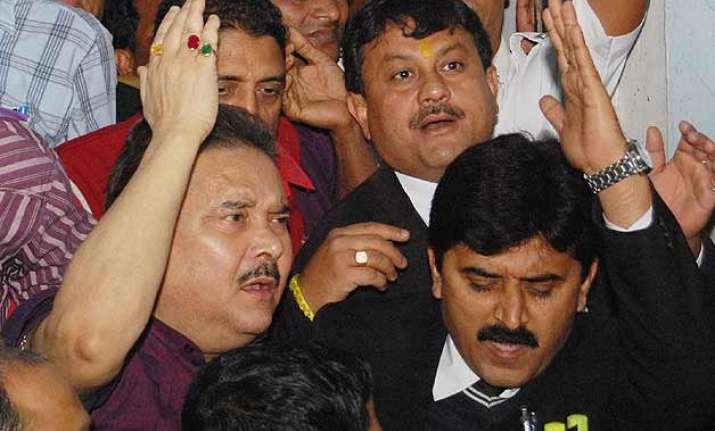 madan mitra did not cooperate with officers cbi tells court