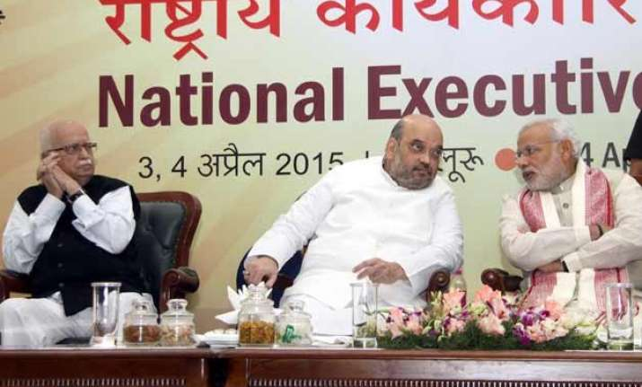 advani s refusal to speak at ne meet reflects widening gap