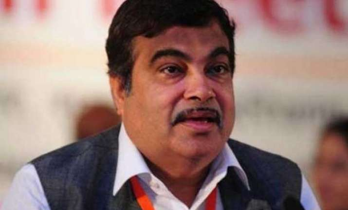 nitin gadkari expecting to fix rs 40 000 crore road project