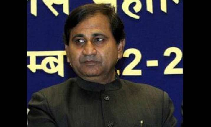 cong tries to put bjp in dock in housing scam