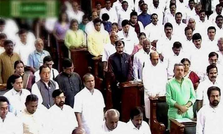 parliament pays rich tributes to kalam cancels sittings for