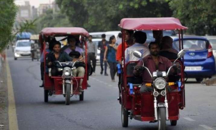 bjp welcomes restarting of e rickshaws