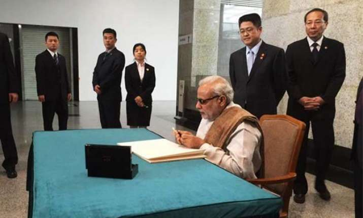 read pm modi s handwritten messages during his foreign trips