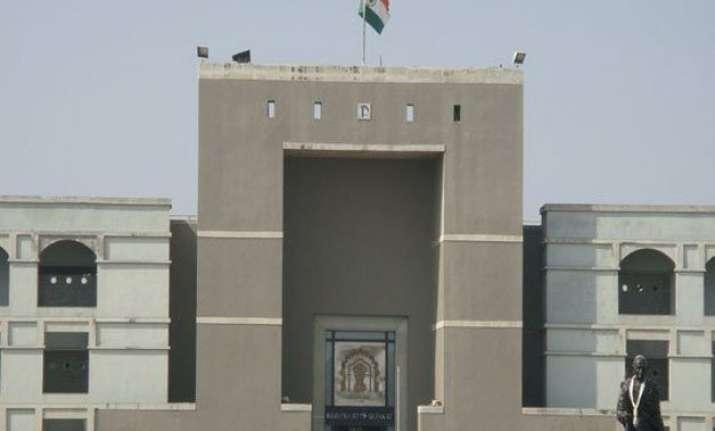 hc quashes gujarat govt s ordinance to delay local body