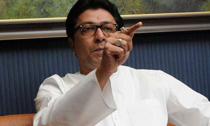 raj thackeray takes a jibe at pm modi on foreign tours