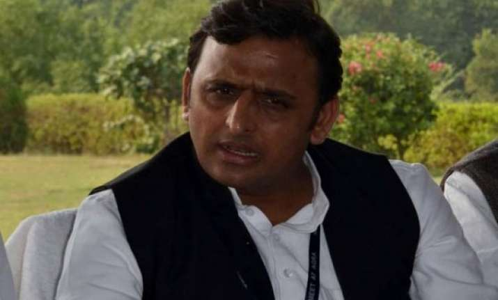 akhilesh yadav orders 24 hour power supply at 9 prominent