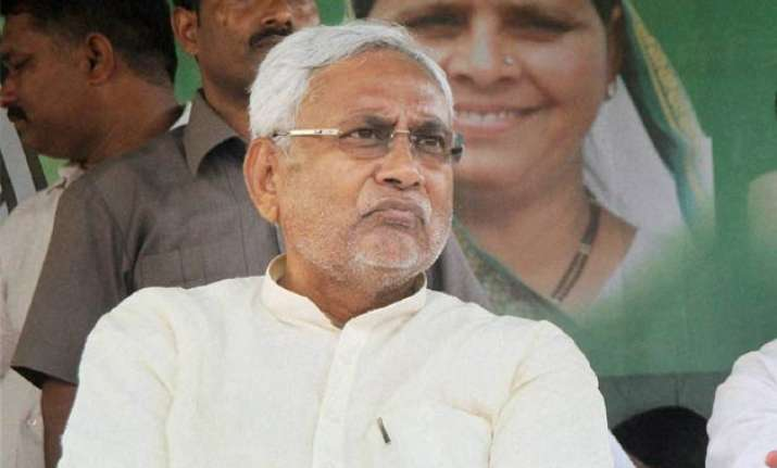 nitish kumar attacks pm modi on rising price of pulses