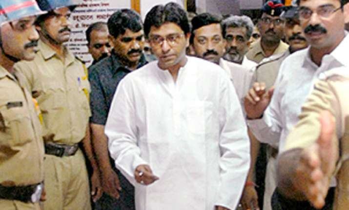 raj thackeray tells voters i have 81 cases against me