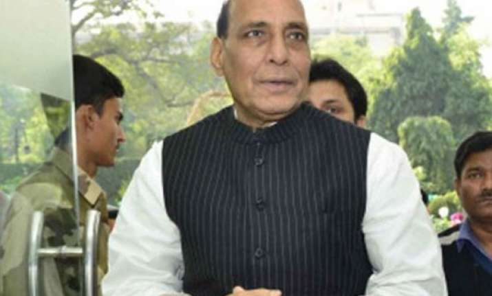 top security officials brief rajnath singh on border