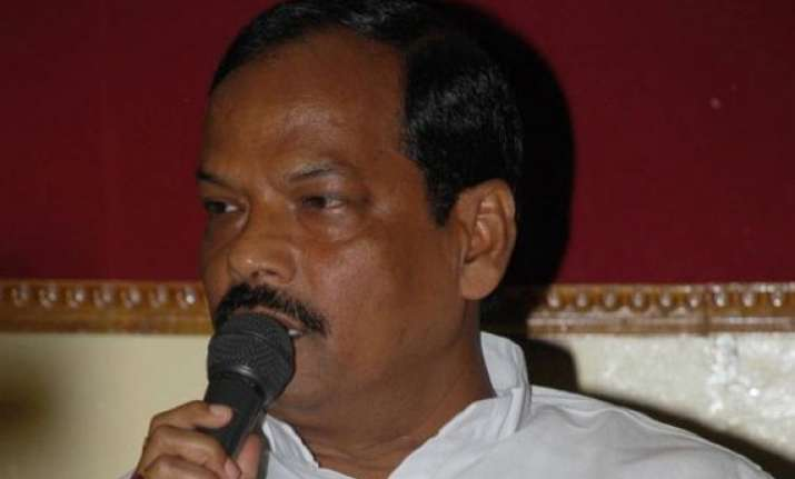 jharkhand cm asks officials to be karamyogis