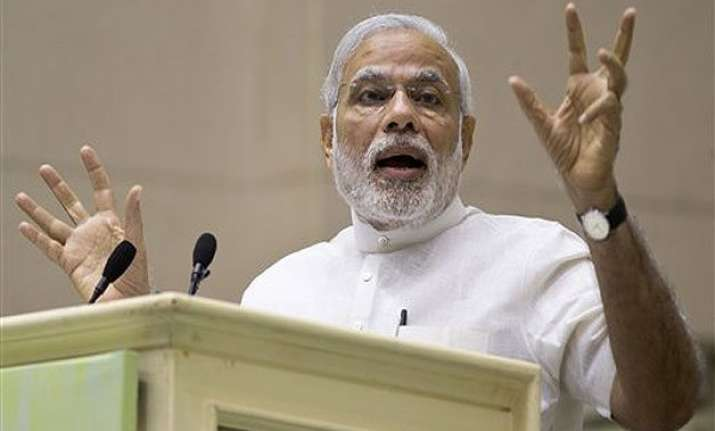 pm modi to have naav pe charcha with french president