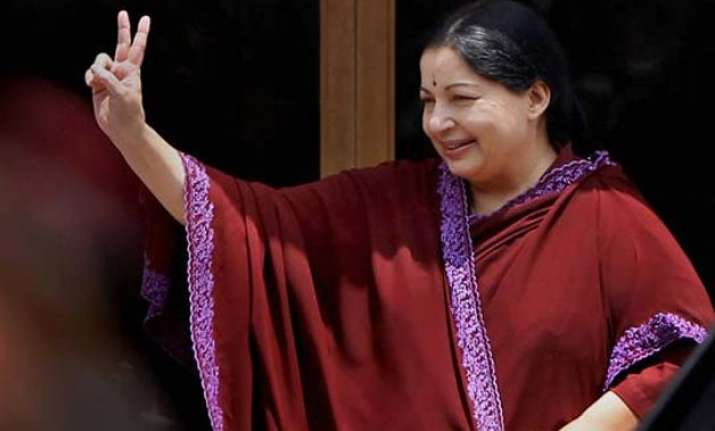 jayalalithaa acquitted in da case may take oath as tn cm on