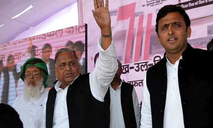 eyes on 2017 assembly polls samajwadi party tries to woo