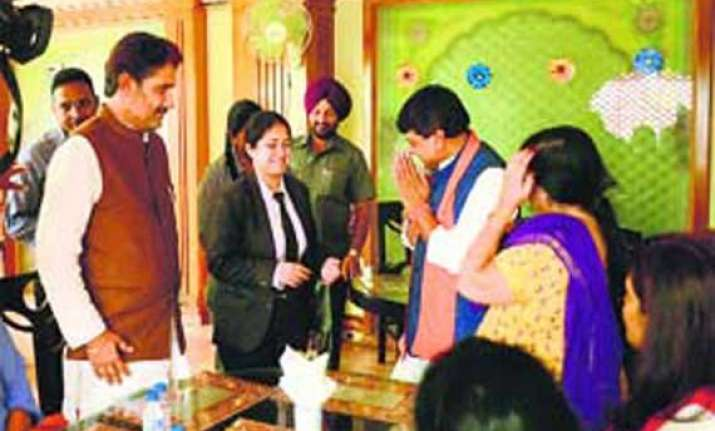 haryana bjp ministers 18 mlas meet dera sacha sauda chief