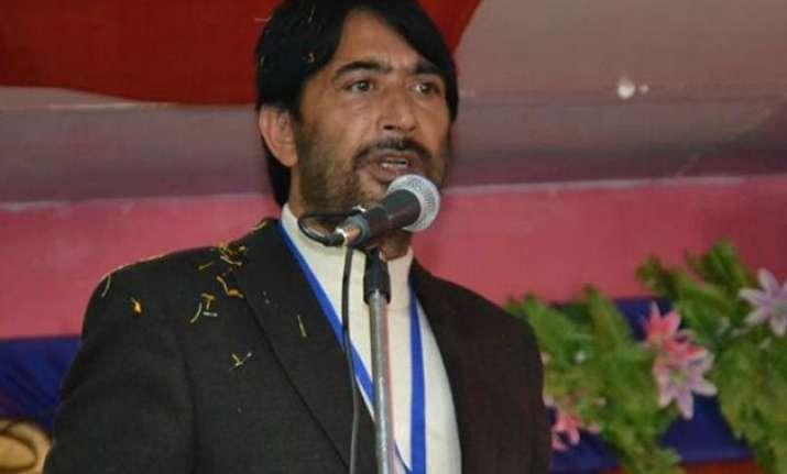 congress asks pdp bjp to shun public posturing on govt