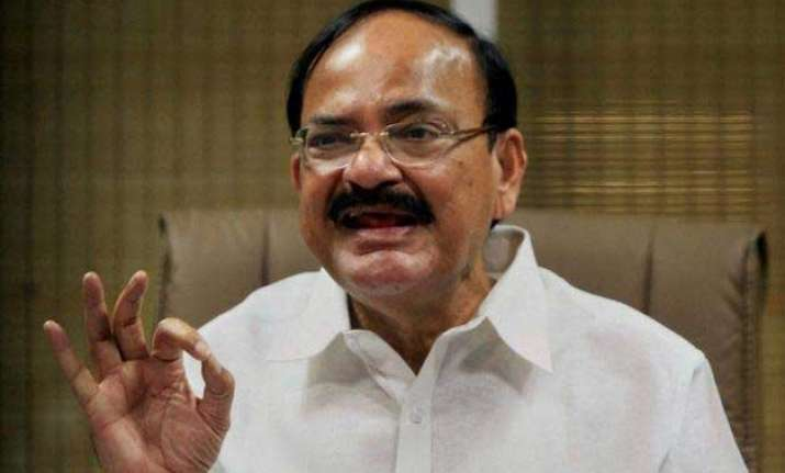 don t play obstructive role venkaiah naidu to opposition