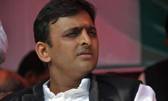 akhilesh questions bjp s claim of biggest political party