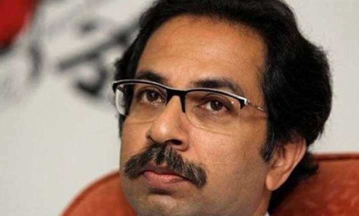uddhav thackeray asks hardik patel to behave like bal