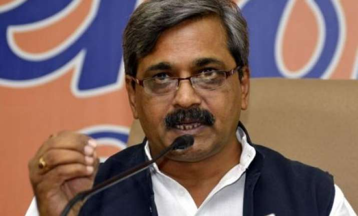bjp welcomes sc observation congress for fresh polls in