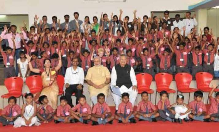 pm modi interacts with students at dantewada asks them to