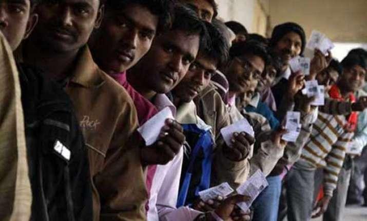 voting picks up in bihar over 33 per cent voting till noon