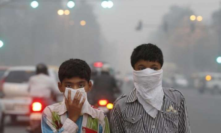 delhi s poisonous air blame game starts between central and