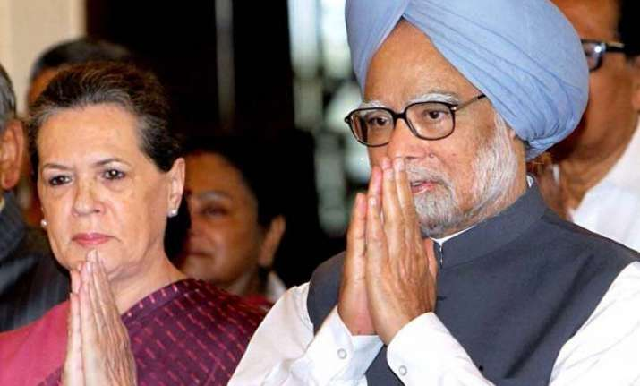 sonia gandhi appeals prez to intervene in farmers interest