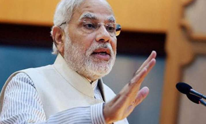 pm modi asks actors youths to popularise handloom