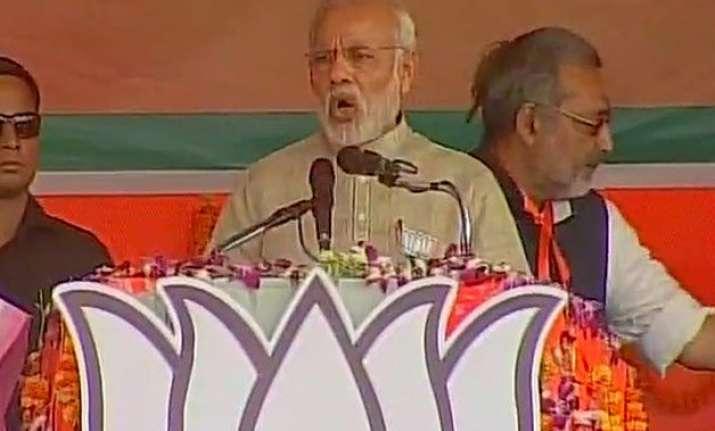 bihar polls narendra modi calls lalu prasad a tantrik