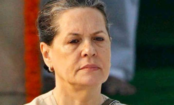 congress to play constructive role sonia