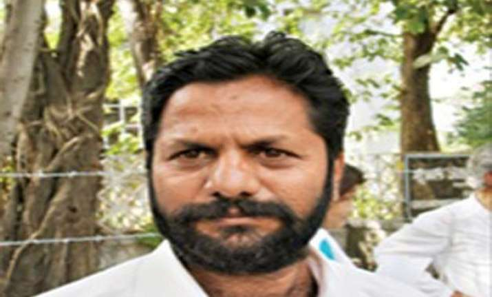 major rupture in maharashtra aap founding member maruti