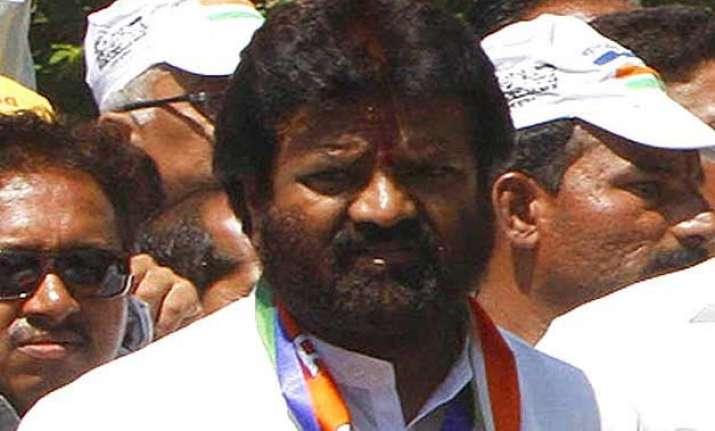 mns leaders darekar geete set to join bjp today