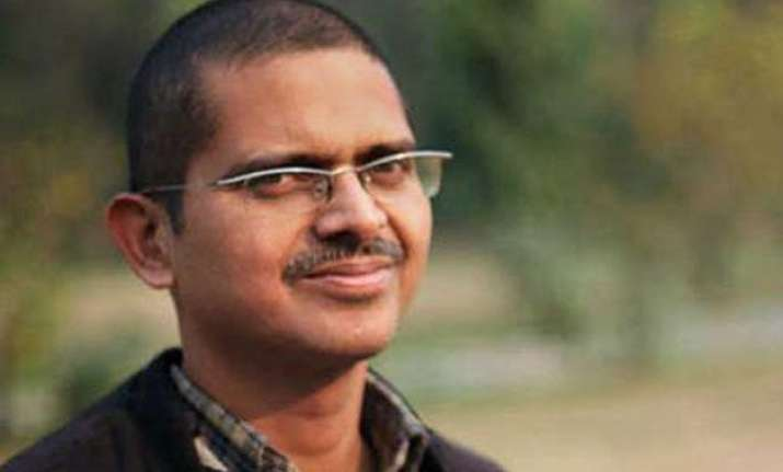 ips amitabh thakur says rape case return gift from mulayam