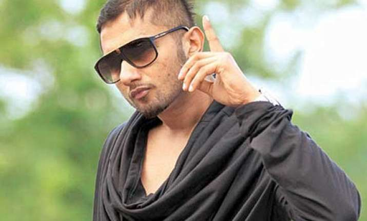 haryana polls chautala s inld ropes in rapper honey singh