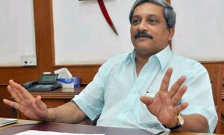 defence minister manohar parrikar to visit j k tomorrow